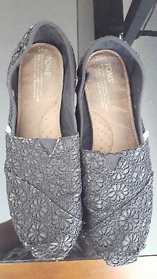 Toms Womens black lace Slip-On Shoes - Size 8-5