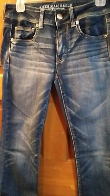 ladies American Eagle Outfitters super stretch jeans 6 Reg