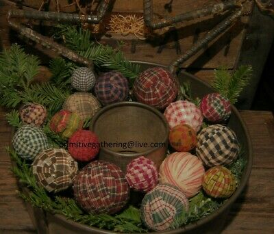A Gathering of 18 FaRMHouSE RAG BALLS Primitive Homespun Bowl Filler Ornies Tuck