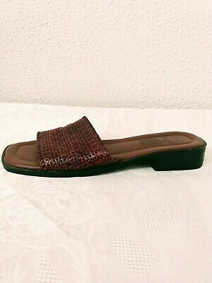 Womens Faded Glory Brown Genuine Leather Slide On Flat Sandals Size 7 M NWOB