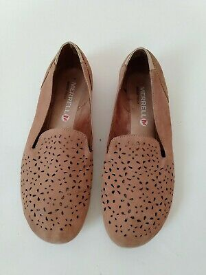 Womens Merrell Tan Faux Suede Eyelet Ballet Flat Shoes size 6