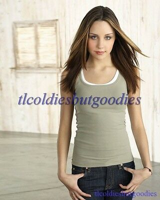 AMANDA BYNES GRAY TANK JEANS WHAT I LIKE ABOUT YOU SEXY ACTRESS 8X10 PHOTO 0059