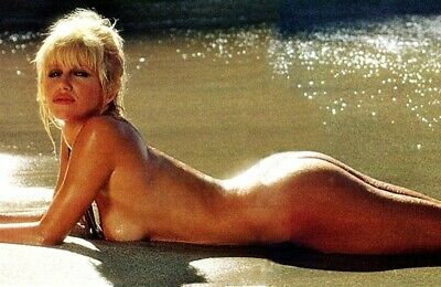 Suzanne Somers Nude On The Sand 8x10 Picture Celebrity Print