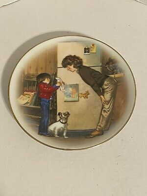 5 Avon Mothers Day Plate Special Memories by Tom Newsom 1985 22 K gold trimmed