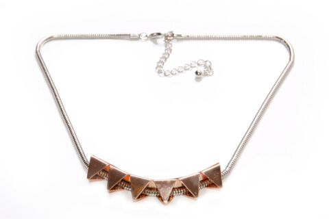 FASHIONABLE WOMEN SILVER NECKLACE W GEOMETRICAL ROSE GOLD METAL ORNAMENT T358