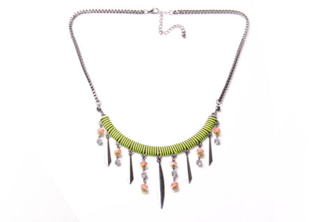 MODERN LADY GIRLS SIMPLE NECKLACE NEON GREEN BLACK STRIPES FRONT BEADS T506