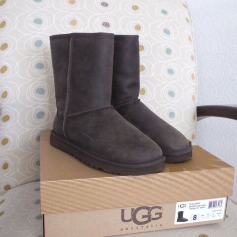 NEU IN BOX UGG CLASSIC SHORT LEATHER BROWNSTONE STIEFEL GR E 8 0