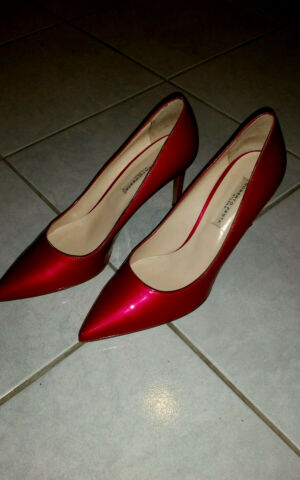 ORIGINAL BRAND MARKE ROBERTO FESTA LUXUS PUMPS GR 40 LACKLEDER