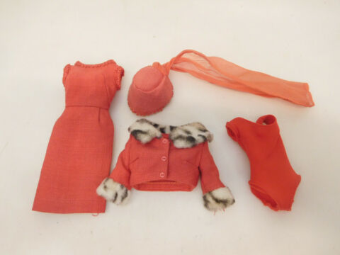 X 63920 LTERES BARBIE OUTFIT OHNE ORIGINALVERPACKUNG