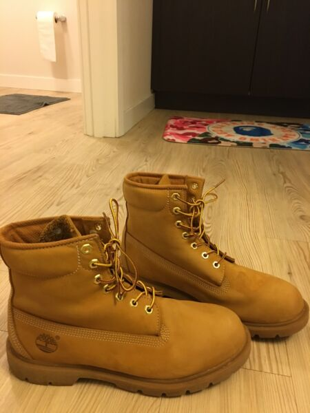 Timberland Boots Brown Suede Sz 9.5 $80.00