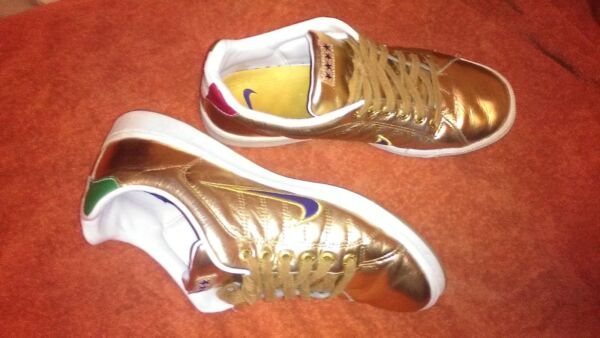 Nike gold rare sneakers collectors vintage italian flag colors historical dates