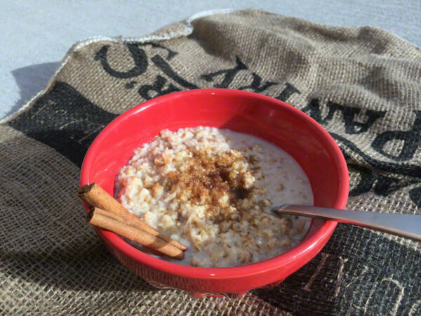 Backpacker#x27;s Pantry Organic Cinnamon Apple Oats and Quinoa: 1 Serving