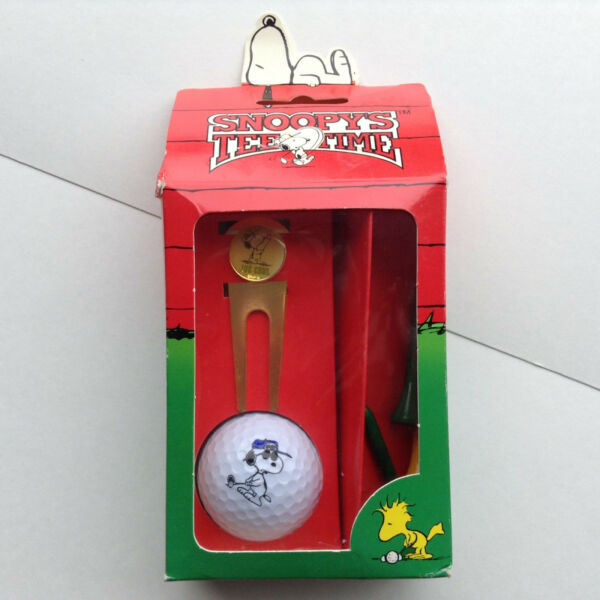 NEW Peanuts Snoopy Golf Collection Gift Set Great DAD Gift Divot Tool Tees Ball