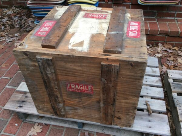 "Vintage Heavy Rustic Wood 22"" X 24"" Shipping Box  Crate With Lid - Very Good"