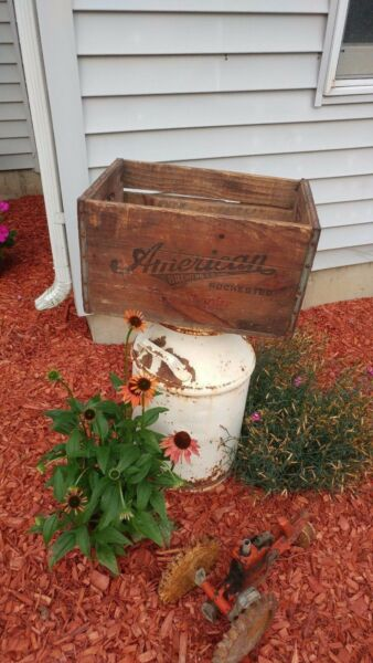 Vintage Antique 1947 American Brewery Co. Beer Crate Rochester NY - COOL!