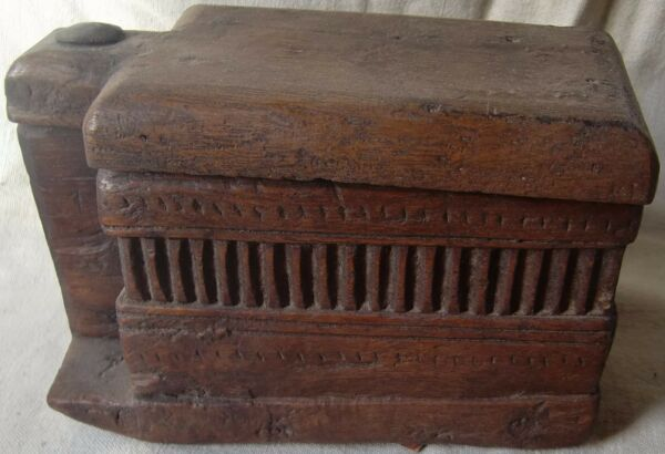 OLD VINTAGE WOODEN HAND CARVED BEAUTIFUL INDIAN TRIBAL KITCHEN SPICE PANTRY BOX