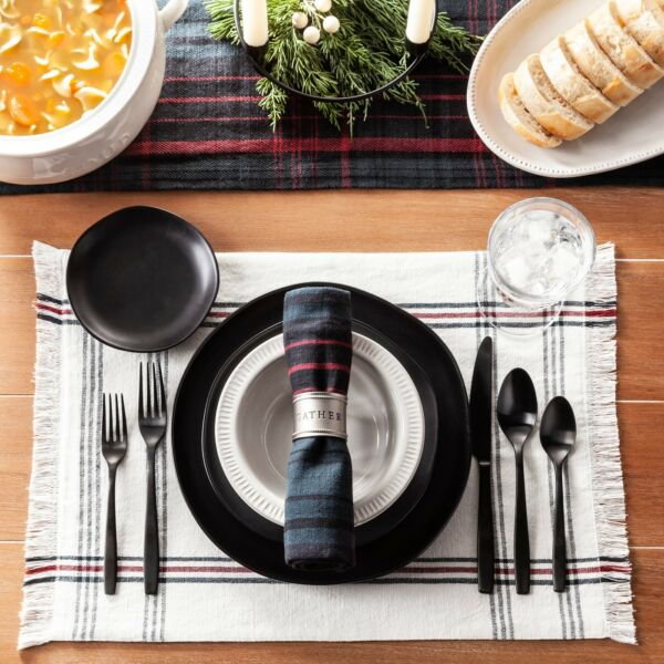 Hearth amp; Hand with Magnolia BLUE GREEN amp; RED PLAID PLACEMATS Set of 4