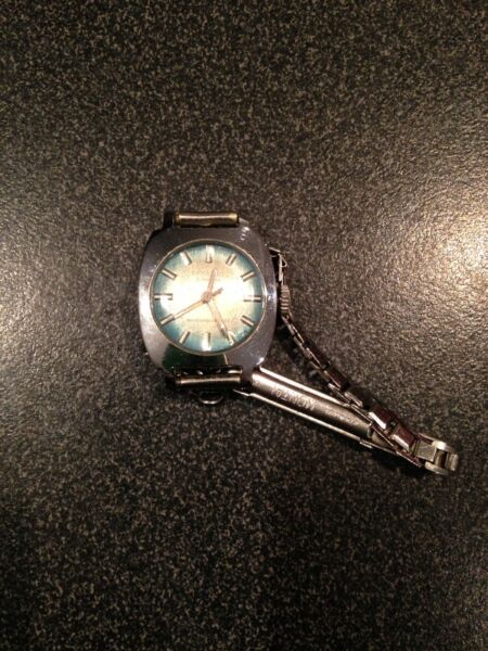 Stunning Vintage Ingersoll  Ladies Art Deco  cocktail watch 17 Jewels Automatic