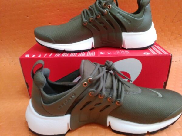 New Brand NIKE AIR PRESTO PREMIUM Medium olive sail  848141-200. Size 10