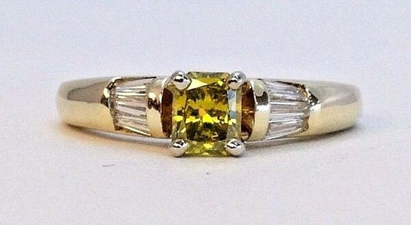 14K Yellow Gold Princess Cut Green Diamond Ring With Colorless Baguettes