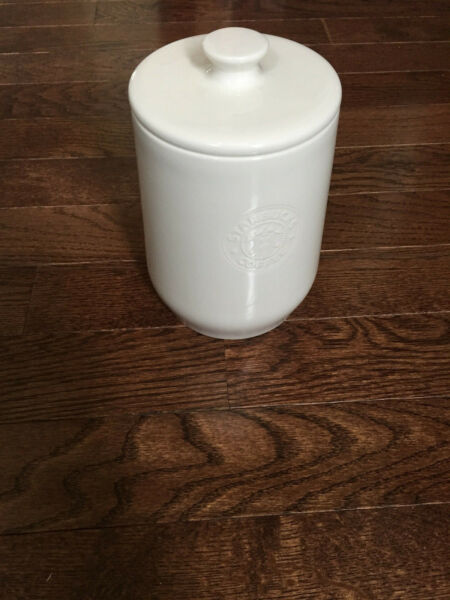 STARBUCKS 64oz Barista White Ceramic Coffee Canister Cookie Jar Abbey NICE 2009