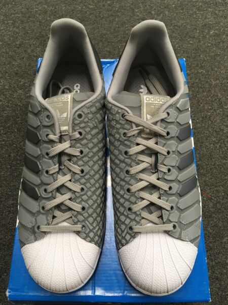 NEW ADIDAS SUPERSTAR SHELL TOE SNEAKERS (GRAY)