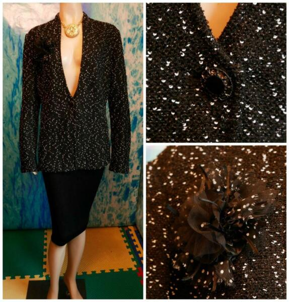 St. John Knits Black Cream Jacket L 12 14 Suit Blazer Flower Pin V Neckline