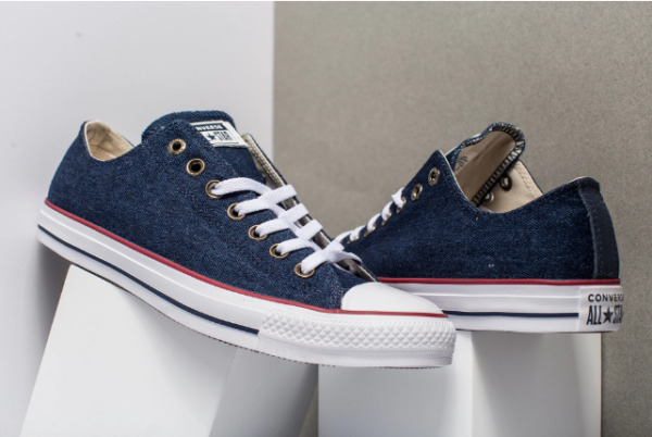 Converse Men's Blue jeans Denim Sneakers All Star Chuck Taylor Lo-Tops 161489F