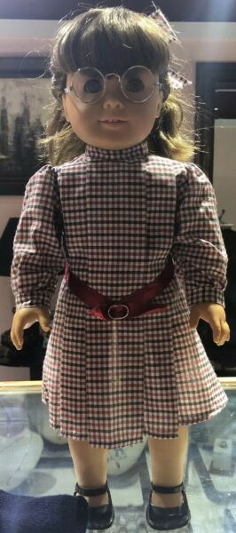 American Girl Doll Pleasant Company Molly With Extra Outfit