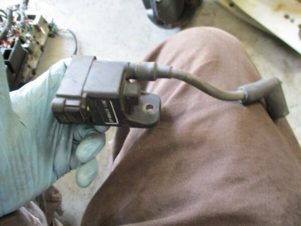 2002 Mercury L150 Carburetor outboard ignition coil 827509 A7 $25.00