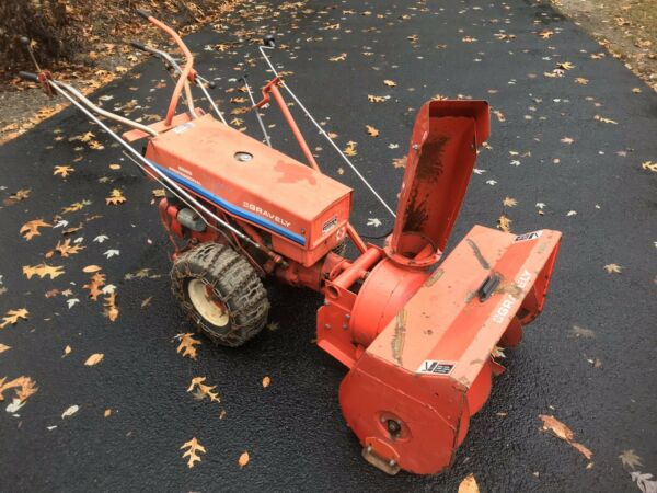 GRAVELY SNOW BLOWER CONVERTABLE WALKBEHIND TRACTOR 5665 SNOW THROWER RUNS GREAT
