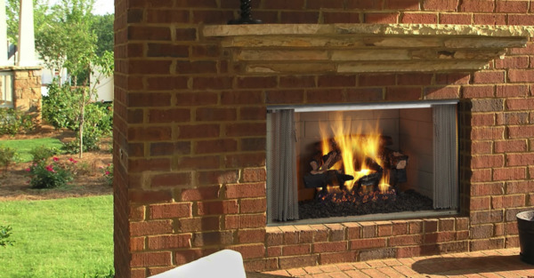 Majestic Villawood 36 Outdoor Wood Fireplace w Traditional Refractory Interior $1199.00