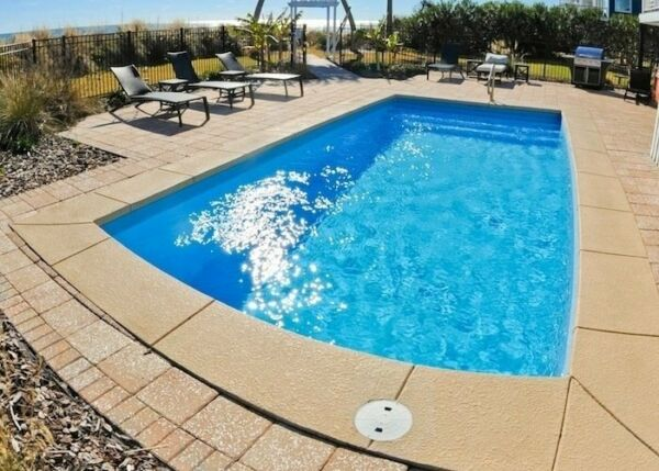 Fiberglass in-ground pool - 13 X27 - Sale  til 4-17  - Free delivery