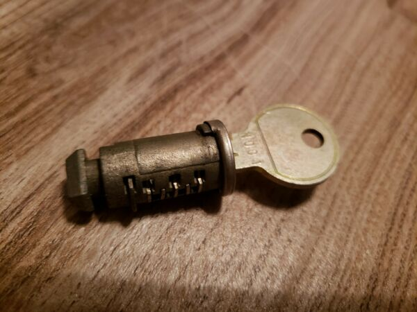 1 single Thule lock cylinder one replacement core amp; key SEE DESCRIPTION $10.99