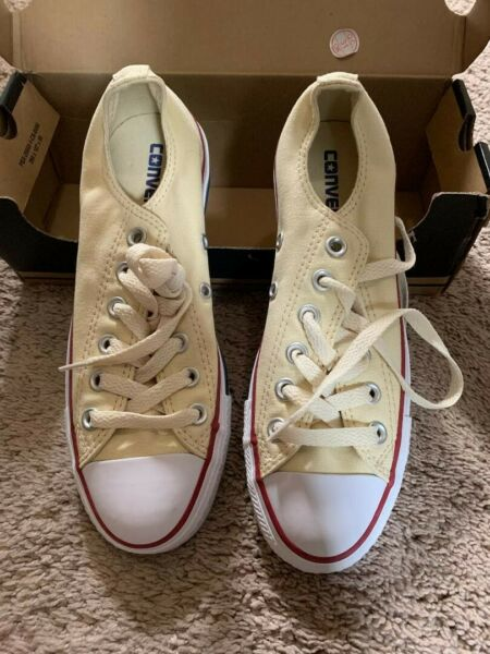 NEW Chuck Taylor All Star (Women-6.5) Natural White