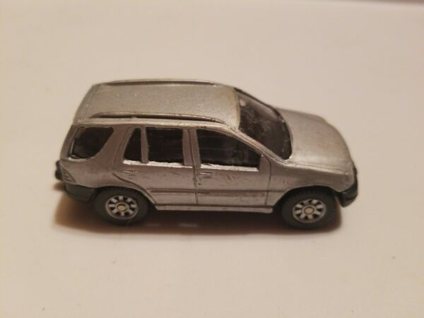 Maisto Mercedes Benz ML320 Die Cast Metal SUV 1 64 Silver Special Edition Truck $8.20