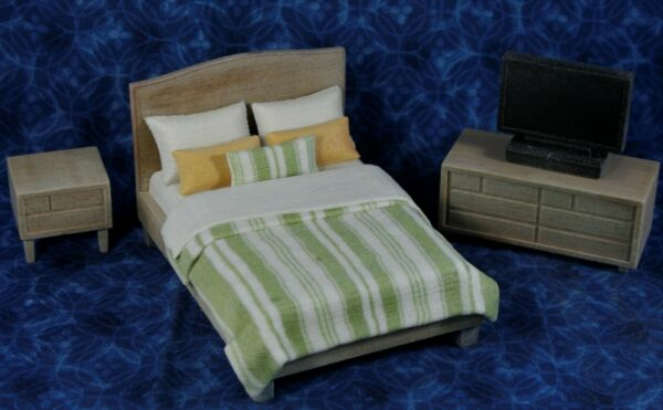 LOT Miniature Dollhouse Bedroom FURNITURE Resin 1:16 or 1:18 Bed Nightstand TV * $15.99