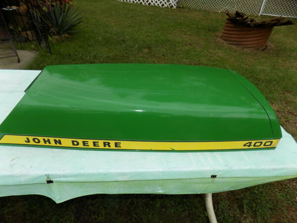 JOHN DEERE 400 HOOD PART #AM36568