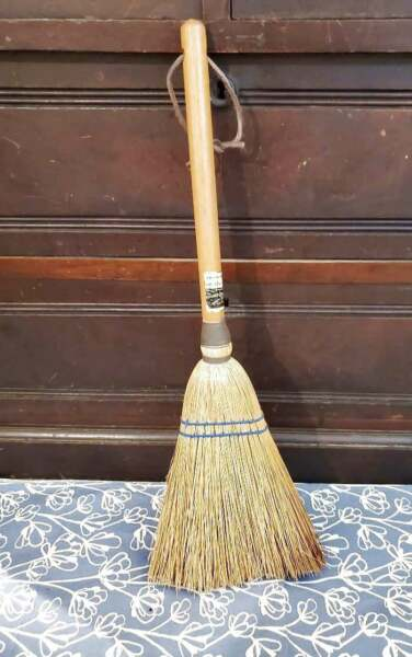 Vintage Fireplace Farmhouse Hearth Broom 20quot;