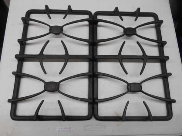 WB31T10030 GE gas grate set Great condition 2 piece