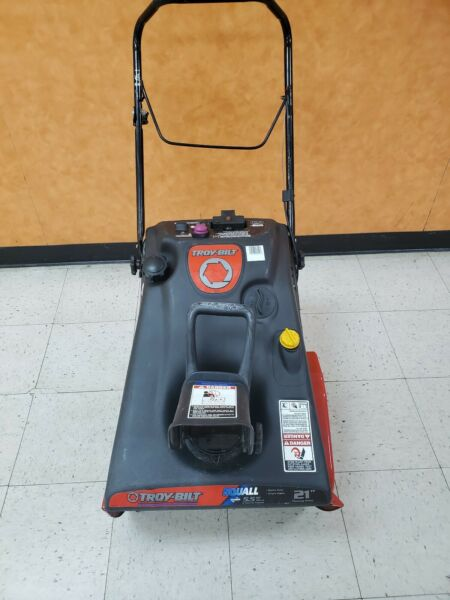 Troy Bilt Squall 5.5HP in Single stage Gas Snow Blower PICK UP ONLY No Shipping