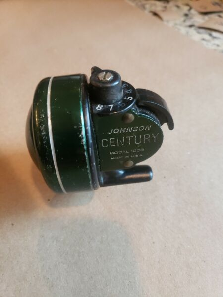 Vintage Johnson CENTURY MODEL 100B MADE IN U.S.A. CASTING REEL 12sc