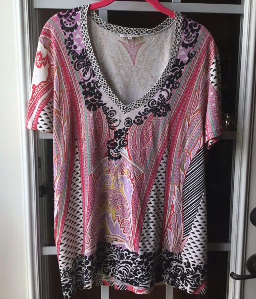 Etro Women's Short Sleeve V neck Multi Colored Top Size 46 Made In Italy $49.98