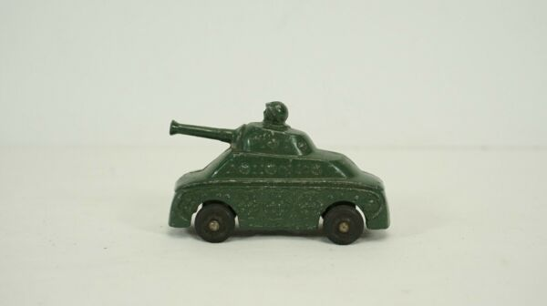 Vintage Die Cast Green Tank with Soldier Driver B98