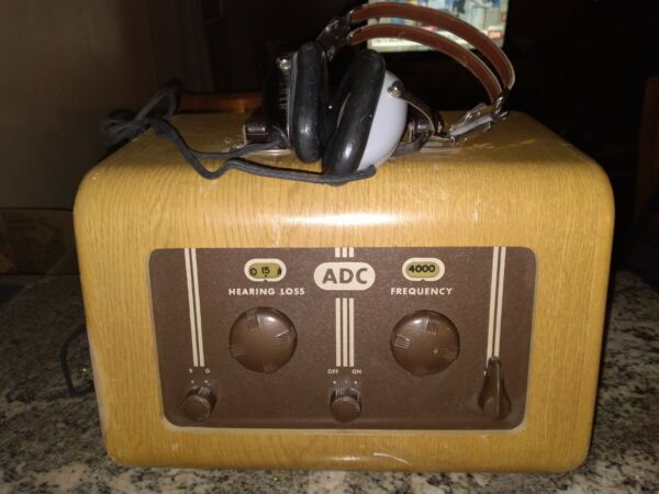 VINTAGE ADC AUDIOMETER PORTABLE EAR SCREENING HEARING TESTER