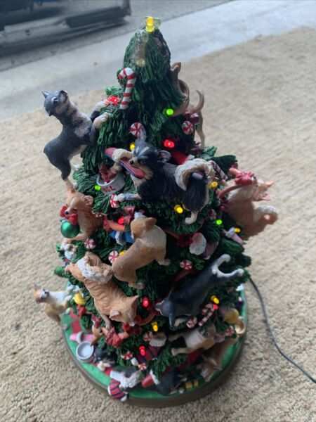 Danbury Mint Chihuahua Dog Christmas Tree Lighted Figurine With Topper READ $240.00