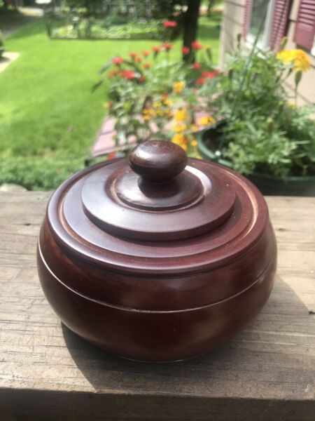 Vintage Antique treen ware pease ware box bowl with lid