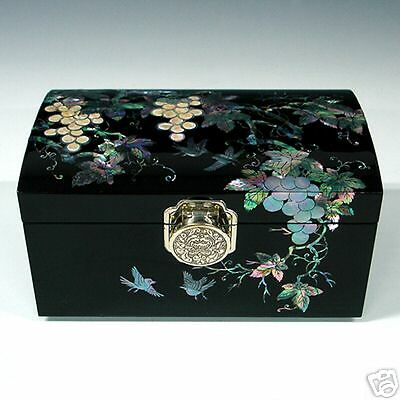 Mother of Pearl Lacquer Wood Grape Design Jewelry Trinket Keepsake Ring Box Case