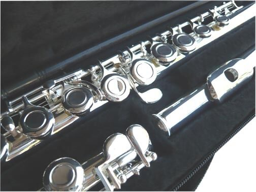 NEW SILVER C FLUTE -  STUDENT SCHOOL BAND FLUTE WCASE.5 YEARS WARRANTY.
