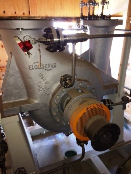 New Flowserve 10HDX27B API 610 Pump with 900 HP Reliance Arctic Duty Motor